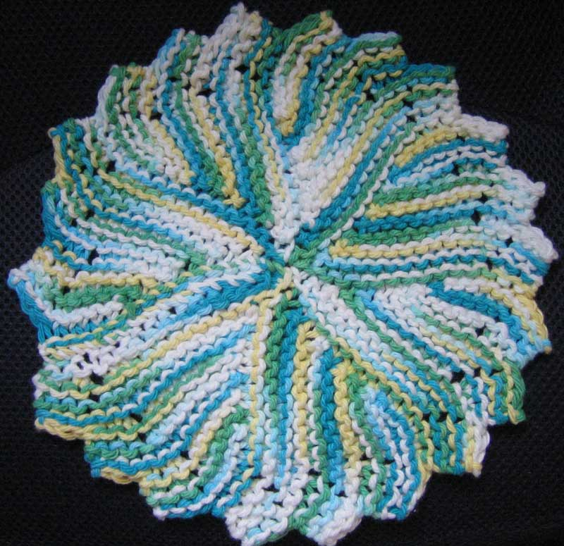 Knit Dishcloth Pattern Free : JanelWasHere Knit Round Dishcloth